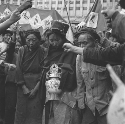photos_uncategorized_2007_04_13_tibet_cultural_revolution_2-tm
